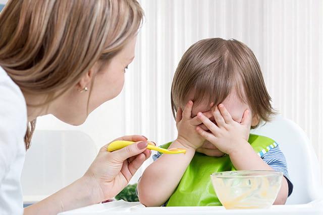chăm sóc trẻ sơ sinh thiếu sắt